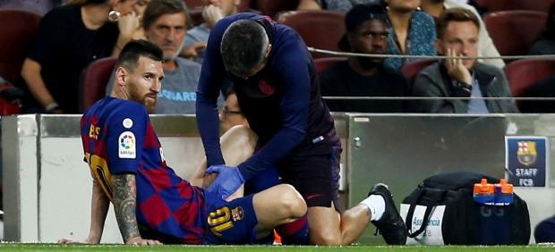 Leo Messi, lesionado en el partido del Barcelona contra el Villarreal
