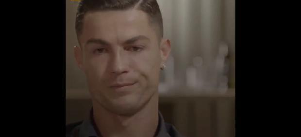 Cristiano Ronaldo rompe a llorar durante una entrevista