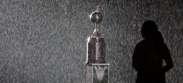 El trofeo de la Copa Libertadores