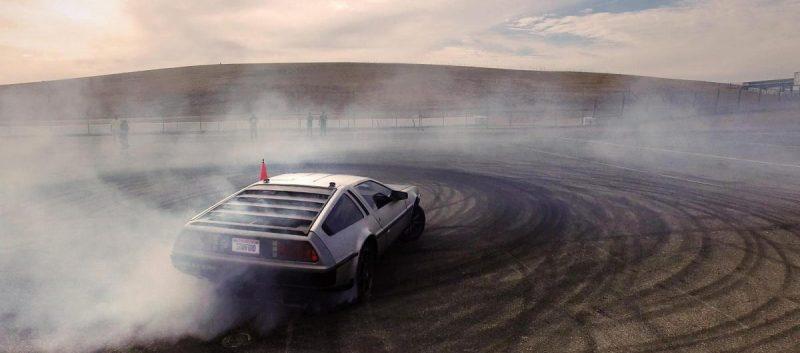 Ingenieros de Stanford muestran cómo un DeLorean autónomo puede mejorar la seguridad del conductor