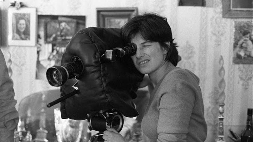 'Una familia en Bruselas': el monólogo de la cineasta Chantal Akerman sobre su madre y la pérdida