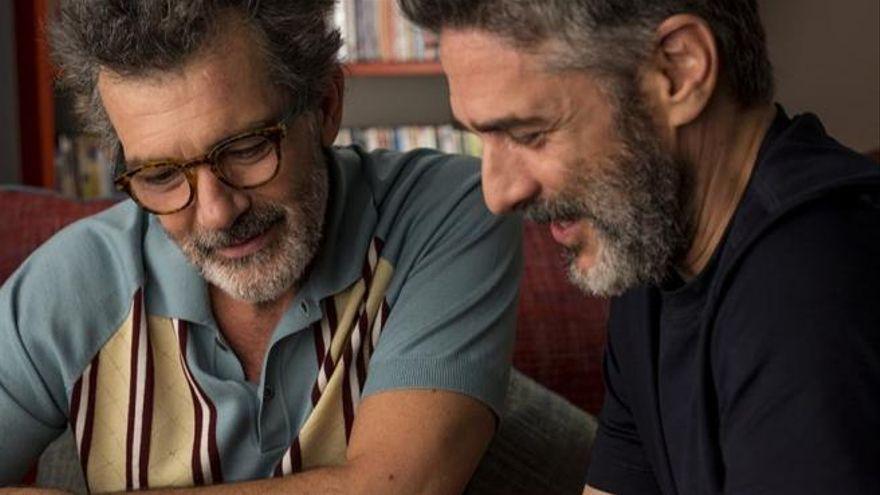 Así aparece el colectivo LGTBI en la ficción española: son un 6,2% de los personajes, predominan los hombres gays y solo cuatro son trans
