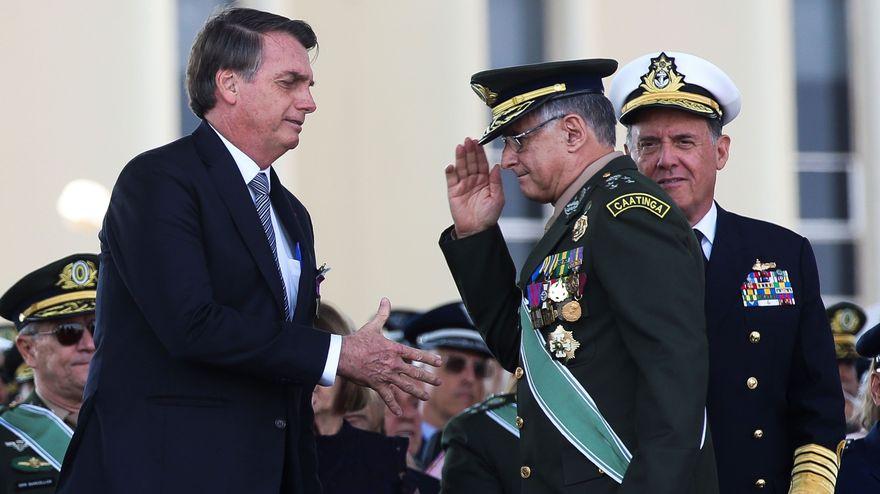 Los militares se distancian de Bolsonaro en el peor momento de la crisis en Brasil