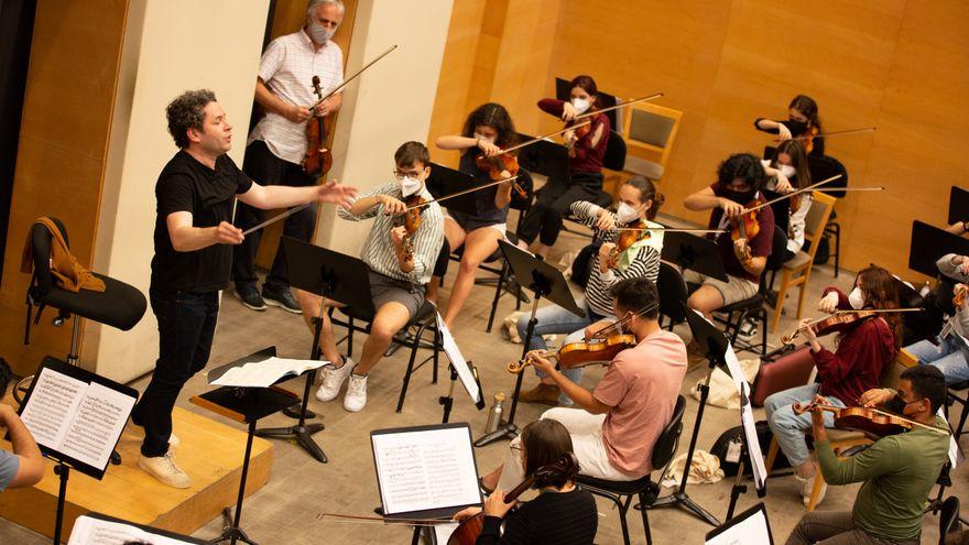 El futuro de la música clásica resuena con Gustavo Dudamel: