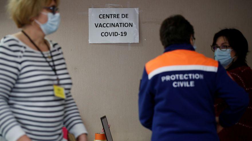 La carrera por vacunarse en Francia para ir al bar: más de tres millones de citas en cuatro días