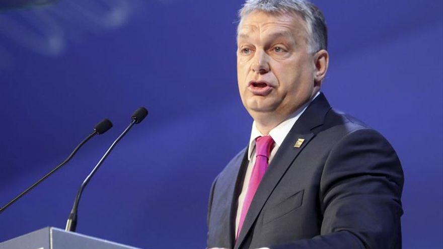 El Parlamento Europeo exige retirar fondos a Hungría por sus leyes homófobas pese a la abstención de la mayoría del PP