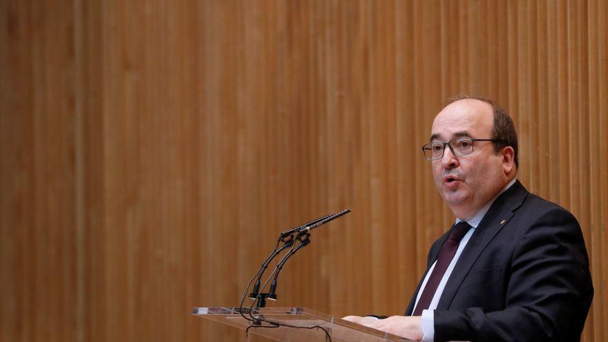El Gobierno cierra un acuerdo histórico con los sindicatos para acabar con la temporalidad de los interinos