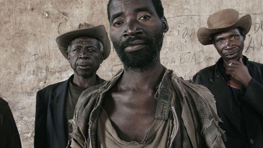 La fotografía africana desafía con una mirada propia al imperialismo que les veía como