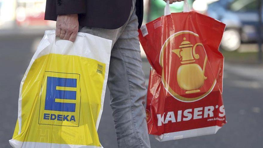 Los supermercados alemanes que se niegan a vender batidos de frutas con publicidad de la ultraderecha